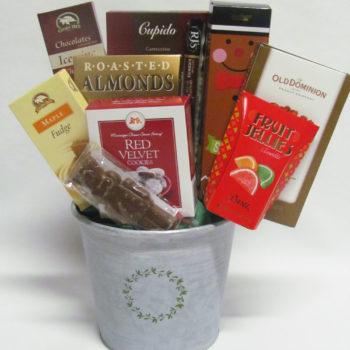 Merry Mistletoe Gift Basket